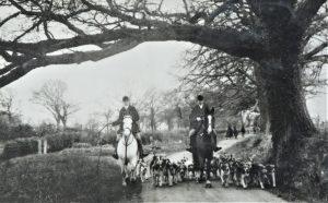Brading. The Fox hounds at Hardingshute.
