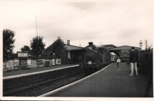 Photo of steam train at Brading station post-1923. SB 019.